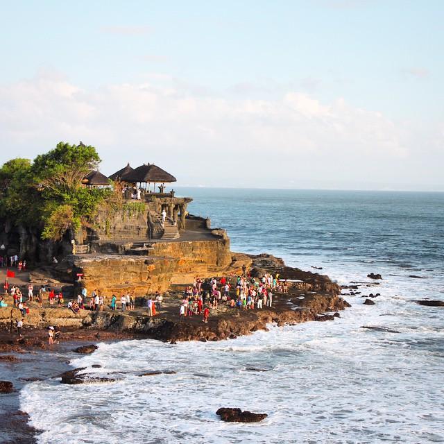 Yağan kara inat sımsıcak bir fotoğraf #Endonezya Bali, 2013 #selinekim #Indonesia #Bali #TanahLot  #travel