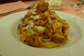 Ragu sos ile Bolonez sosun farkı nedir?