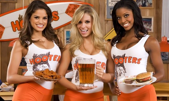 hooters1